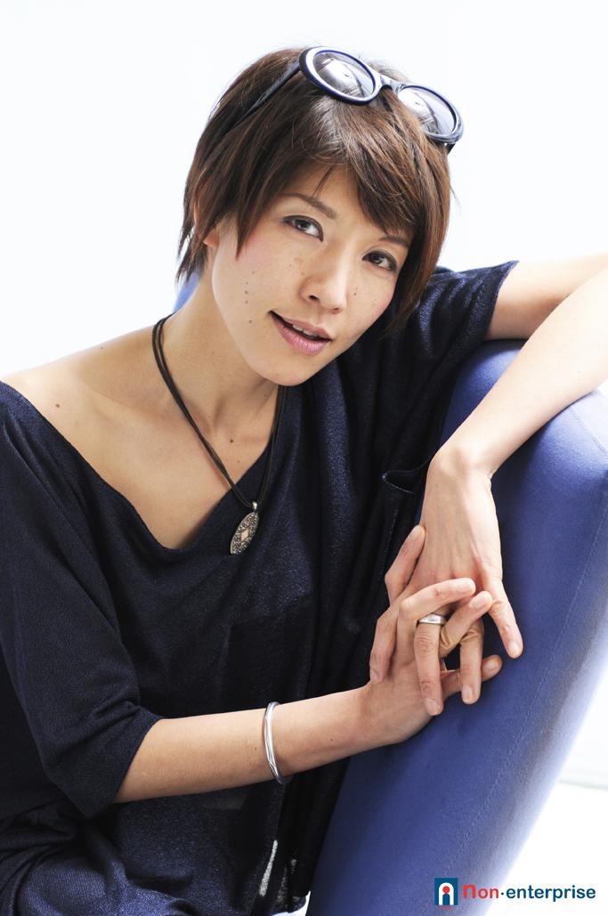 http://musicianstation.net/main/life_is_music/images/ChiekoMiyoshi_72dpi.jpg